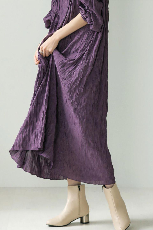 WasherSatinLongDressワッシャーサテン・ロングワンピース大人カジュアルに最適な海外ファッションのothers(その他インポートアイテム)のワンピースやマキシワンピース。今年らしいボリューム袖のワンピース。軽くてシワが気にならないので旅行にもぴったり。/main-34