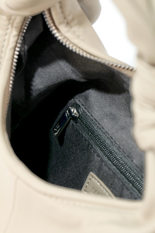 meliebiancoのEmma(Taupe)ラウンドシルエット・ギャザーショルダーバッグ/海外ファッション好きにオススメのインポートバッグとかばん、MelieBianco(メリービアンコ)のバッグやショルダーバッグ。ソフトで滑らかなビーガンレザーを使用した小型のショルダーバッグ。ラムスキンのようなしっとりした触り心地のマテリアル。/main-12