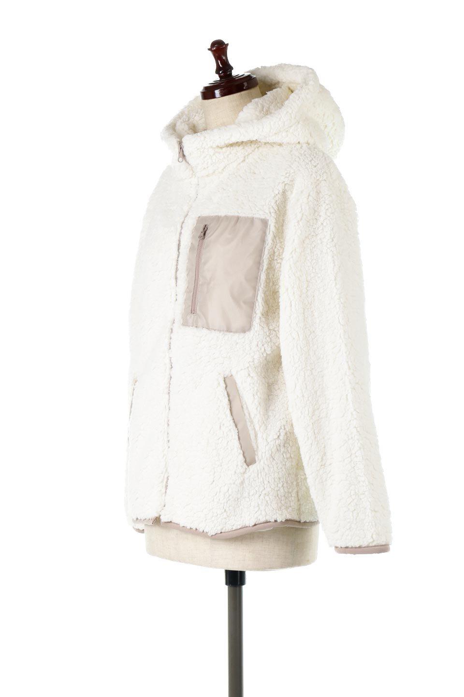 ShearlingFleeceHoodedJacketボアフリース・フード付きジャケット大人カジュアルに最適な海外ファッションのothers(その他インポートアイテム)のアウターやジャケット。もこもこボアのあったかフリースジャケット。程よいミドル丈がボトムスを選ばずコーデを楽しむことができるニュアンスカラーの万能アウターはインナーを変えて秋口から真冬にかけて大活躍。/main-1