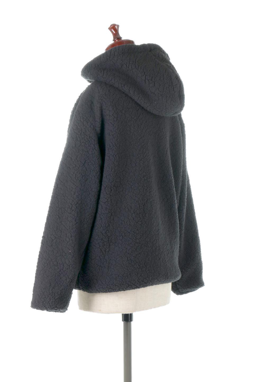 ShearlingFleeceHoodedJacketボアフリース・フード付きジャケット大人カジュアルに最適な海外ファッションのothers(その他インポートアイテム)のアウターやジャケット。もこもこボアのあったかフリースジャケット。程よいミドル丈がボトムスを選ばずコーデを楽しむことができるニュアンスカラーの万能アウターはインナーを変えて秋口から真冬にかけて大活躍。/main-13