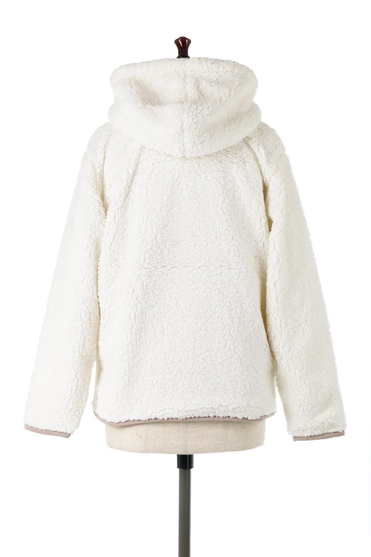 ShearlingFleeceHoodedJacketボアフリース・フード付きジャケット大人カジュアルに最適な海外ファッションのothers(その他インポートアイテム)のアウターやジャケット。もこもこボアのあったかフリースジャケット。程よいミドル丈がボトムスを選ばずコーデを楽しむことができるニュアンスカラーの万能アウターはインナーを変えて秋口から真冬にかけて大活躍。/main-4