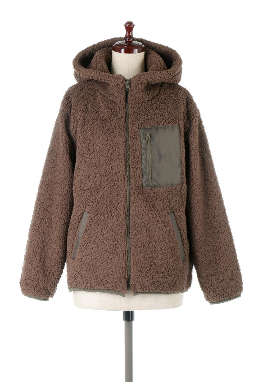 ShearlingFleeceHoodedJacketボアフリース・フード付きジャケット大人カジュアルに最適な海外ファッションのothers(その他インポートアイテム)のアウターやジャケット。もこもこボアのあったかフリースジャケット。程よいミドル丈がボトムスを選ばずコーデを楽しむことができるニュアンスカラーの万能アウターはインナーを変えて秋口から真冬にかけて大活躍。/main-5