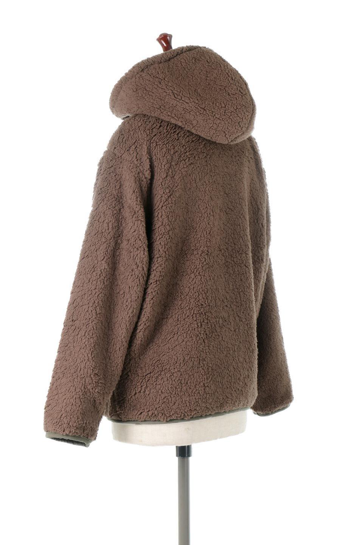 ShearlingFleeceHoodedJacketボアフリース・フード付きジャケット大人カジュアルに最適な海外ファッションのothers(その他インポートアイテム)のアウターやジャケット。もこもこボアのあったかフリースジャケット。程よいミドル丈がボトムスを選ばずコーデを楽しむことができるニュアンスカラーの万能アウターはインナーを変えて秋口から真冬にかけて大活躍。/main-8