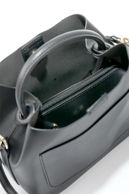 meliebiancoのAnnie(Black)ポーチ付き・ミニハンドバッグ/海外ファッション好きにオススメのインポートバッグとかばん、MelieBianco(メリービアンコ)のバッグやショルダーバッグ。ストラップを付ければショルダーバッグにもなる2Wayタイプのミニハンドバッグ。小さなボディの中には同色のポーチが付属します。/main-10