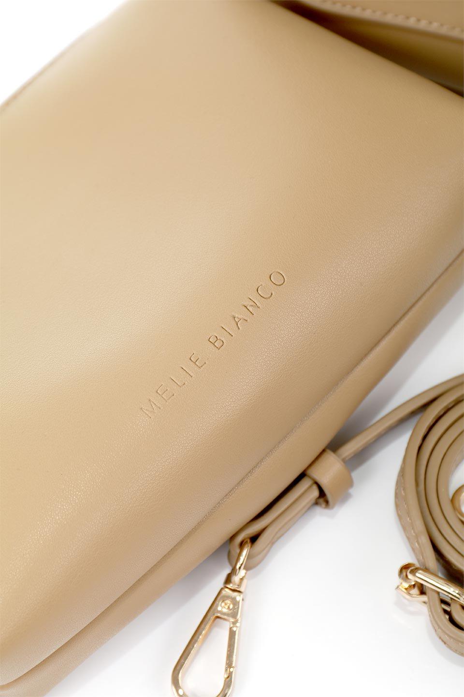 meliebiancoのAnnie(Tan)ポーチ付き・ミニハンドバッグ/海外ファッション好きにオススメのインポートバッグとかばん、MelieBianco(メリービアンコ)のバッグやショルダーバッグ。ストラップを付ければショルダーバッグにもなる2Wayタイプのミニハンドバッグ。小さなボディの中には同色のポーチが付属します。/main-10