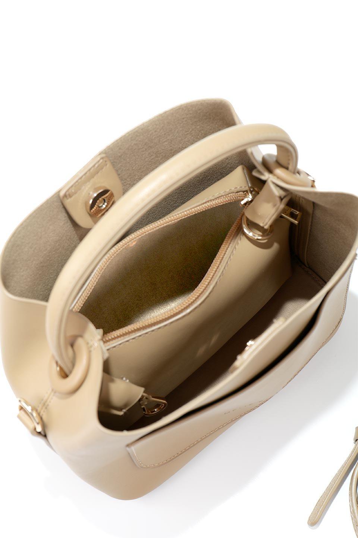 meliebiancoのAnnie(Tan)ポーチ付き・ミニハンドバッグ/海外ファッション好きにオススメのインポートバッグとかばん、MelieBianco(メリービアンコ)のバッグやショルダーバッグ。ストラップを付ければショルダーバッグにもなる2Wayタイプのミニハンドバッグ。小さなボディの中には同色のポーチが付属します。/main-11