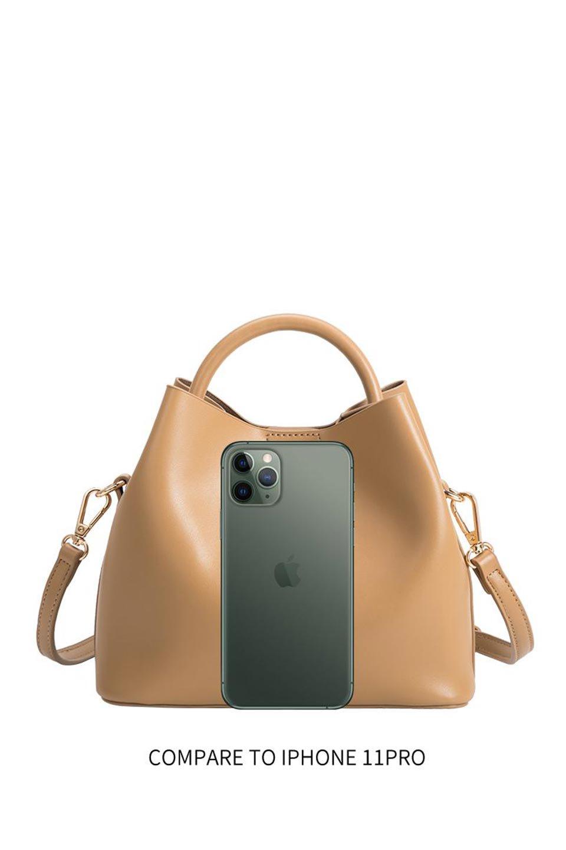 meliebiancoのAnnie(Tan)ポーチ付き・ミニハンドバッグ/海外ファッション好きにオススメのインポートバッグとかばん、MelieBianco(メリービアンコ)のバッグやショルダーバッグ。ストラップを付ければショルダーバッグにもなる2Wayタイプのミニハンドバッグ。小さなボディの中には同色のポーチが付属します。/main-13