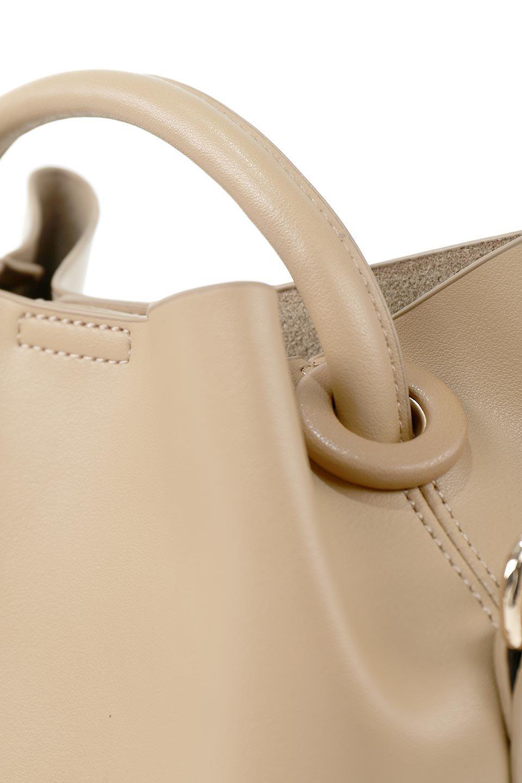 meliebiancoのAnnie(Tan)ポーチ付き・ミニハンドバッグ/海外ファッション好きにオススメのインポートバッグとかばん、MelieBianco(メリービアンコ)のバッグやショルダーバッグ。ストラップを付ければショルダーバッグにもなる2Wayタイプのミニハンドバッグ。小さなボディの中には同色のポーチが付属します。/main-6