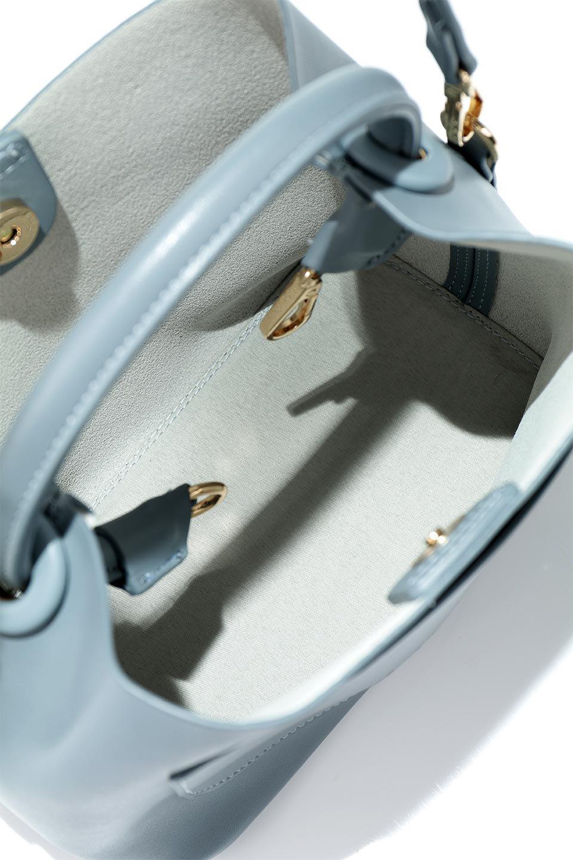 meliebiancoのAnnie(Slate)ポーチ付き・ミニハンドバッグ/海外ファッション好きにオススメのインポートバッグとかばん、MelieBianco(メリービアンコ)のバッグやショルダーバッグ。ストラップを付ければショルダーバッグにもなる2Wayタイプのミニハンドバッグ。小さなボディの中には同色のポーチが付属します。/main-16