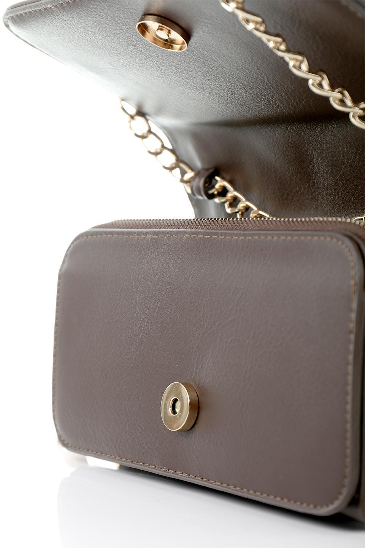 meliebiancoのBrianna(Chocolate)キルティングレザー・ミニショルダーバッグ/海外ファッション好きにオススメのインポートバッグとかばん、MelieBianco(メリービアンコ)のバッグやショルダーバッグ。メインの収納部分が2つある整理上手なミニショルダーバッグ。両サイドにもポケットがあり、ちょっとしたオーガナイザーとしても活躍するバッグです。/main-10