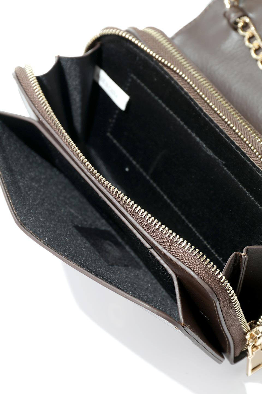 meliebiancoのBrianna(Chocolate)キルティングレザー・ミニショルダーバッグ/海外ファッション好きにオススメのインポートバッグとかばん、MelieBianco(メリービアンコ)のバッグやショルダーバッグ。メインの収納部分が2つある整理上手なミニショルダーバッグ。両サイドにもポケットがあり、ちょっとしたオーガナイザーとしても活躍するバッグです。/main-11