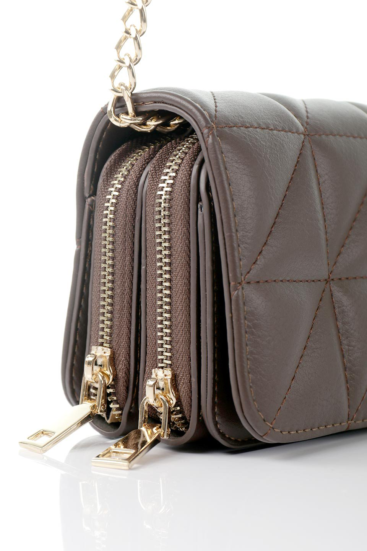 meliebiancoのBrianna(Chocolate)キルティングレザー・ミニショルダーバッグ/海外ファッション好きにオススメのインポートバッグとかばん、MelieBianco(メリービアンコ)のバッグやショルダーバッグ。メインの収納部分が2つある整理上手なミニショルダーバッグ。両サイドにもポケットがあり、ちょっとしたオーガナイザーとしても活躍するバッグです。/main-9