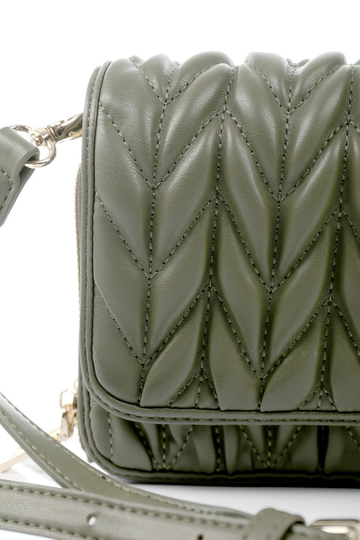 meliebiancoのGiselle(Moss)ブレイドキルティング・ミニショルダーバッグ/海外ファッション好きにオススメのインポートバッグとかばん、MelieBianco(メリービアンコ)のバッグやショルダーバッグ。編み込み状のキルティングレザーが美しいショルダーバッグ。ソフトで滑らかなビーガンレザーのキルティングはしっとりと最高の手触り。/main-10