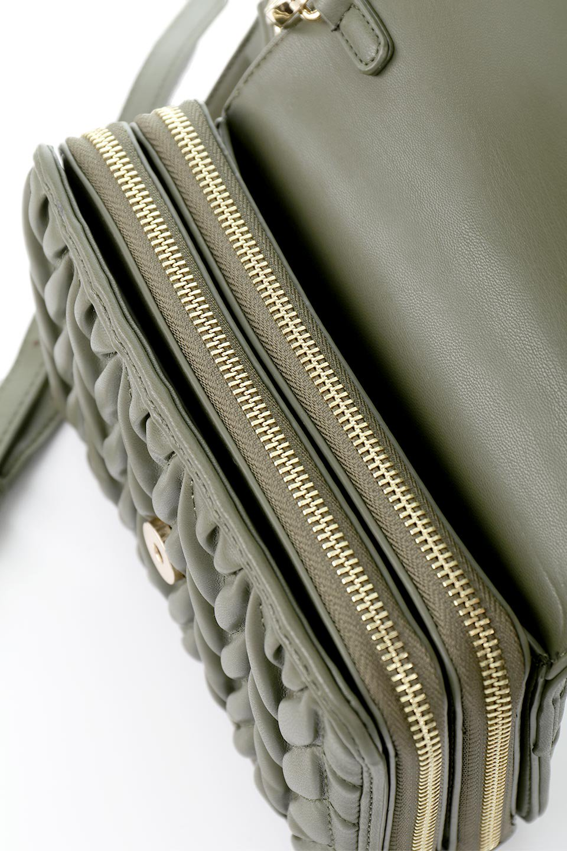 meliebiancoのGiselle(Moss)ブレイドキルティング・ミニショルダーバッグ/海外ファッション好きにオススメのインポートバッグとかばん、MelieBianco(メリービアンコ)のバッグやショルダーバッグ。編み込み状のキルティングレザーが美しいショルダーバッグ。ソフトで滑らかなビーガンレザーのキルティングはしっとりと最高の手触り。/main-12