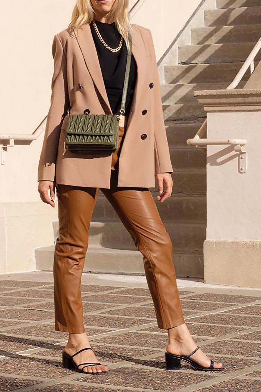 meliebiancoのGiselle(Moss)ブレイドキルティング・ミニショルダーバッグ/海外ファッション好きにオススメのインポートバッグとかばん、MelieBianco(メリービアンコ)のバッグやショルダーバッグ。編み込み状のキルティングレザーが美しいショルダーバッグ。ソフトで滑らかなビーガンレザーのキルティングはしっとりと最高の手触り。/main-19