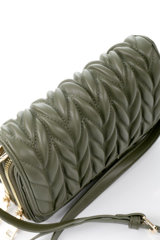 meliebiancoのGiselle(Moss)ブレイドキルティング・ミニショルダーバッグ/海外ファッション好きにオススメのインポートバッグとかばん、MelieBianco(メリービアンコ)のバッグやショルダーバッグ。編み込み状のキルティングレザーが美しいショルダーバッグ。ソフトで滑らかなビーガンレザーのキルティングはしっとりと最高の手触り。/main-6