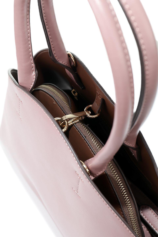 meliebiancoのAusten(Rose)ポーチ付き・ラウンドハンドバッグ/海外ファッション好きにオススメのインポートバッグとかばん、MelieBianco(メリービアンコ)のバッグやショルダーバッグ。ミニマルデザインのポーチ付きハンドバッグ。シンプルでコーデの邪魔をしない上品な雰囲気を醸し出すアイテムです。/main-10