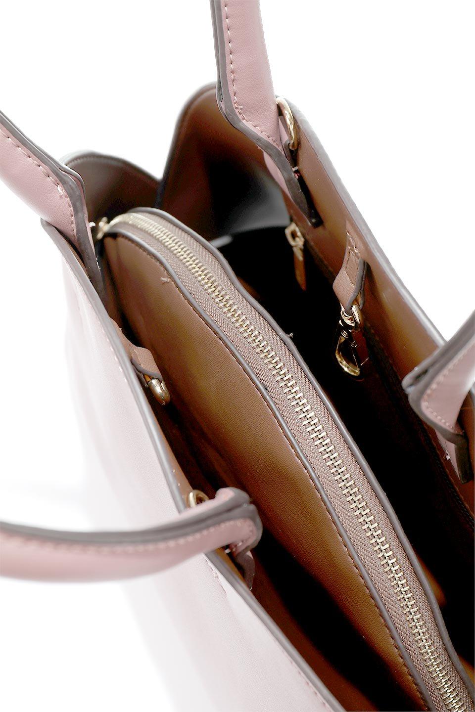 meliebiancoのAusten(Rose)ポーチ付き・ラウンドハンドバッグ/海外ファッション好きにオススメのインポートバッグとかばん、MelieBianco(メリービアンコ)のバッグやショルダーバッグ。ミニマルデザインのポーチ付きハンドバッグ。シンプルでコーデの邪魔をしない上品な雰囲気を醸し出すアイテムです。/main-11