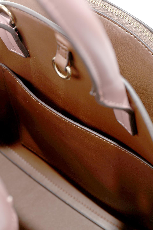 meliebiancoのAusten(Rose)ポーチ付き・ラウンドハンドバッグ/海外ファッション好きにオススメのインポートバッグとかばん、MelieBianco(メリービアンコ)のバッグやショルダーバッグ。ミニマルデザインのポーチ付きハンドバッグ。シンプルでコーデの邪魔をしない上品な雰囲気を醸し出すアイテムです。/main-13