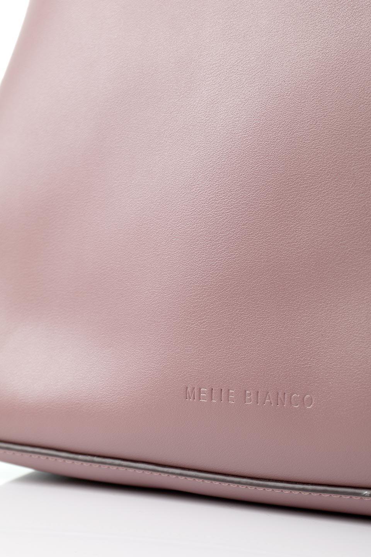 meliebiancoのAusten(Rose)ポーチ付き・ラウンドハンドバッグ/海外ファッション好きにオススメのインポートバッグとかばん、MelieBianco(メリービアンコ)のバッグやショルダーバッグ。ミニマルデザインのポーチ付きハンドバッグ。シンプルでコーデの邪魔をしない上品な雰囲気を醸し出すアイテムです。/main-9