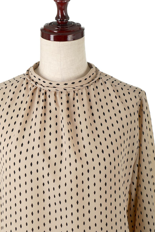 2WayHighNeckBlouse2ウェイ・ハイネックブラウス大人カジュアルに最適な海外ファッションのothers(その他インポートアイテム)のトップスやシャツ・ブラウス。前後2WAYで着れる万能ブラウス。綺麗目にもカジュアルにも着こなしができるブラウスは寒いシーズンにも大活躍。/main-11