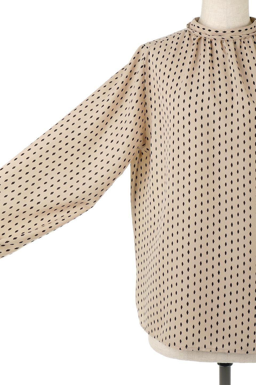 2WayHighNeckBlouse2ウェイ・ハイネックブラウス大人カジュアルに最適な海外ファッションのothers(その他インポートアイテム)のトップスやシャツ・ブラウス。前後2WAYで着れる万能ブラウス。綺麗目にもカジュアルにも着こなしができるブラウスは寒いシーズンにも大活躍。/main-15