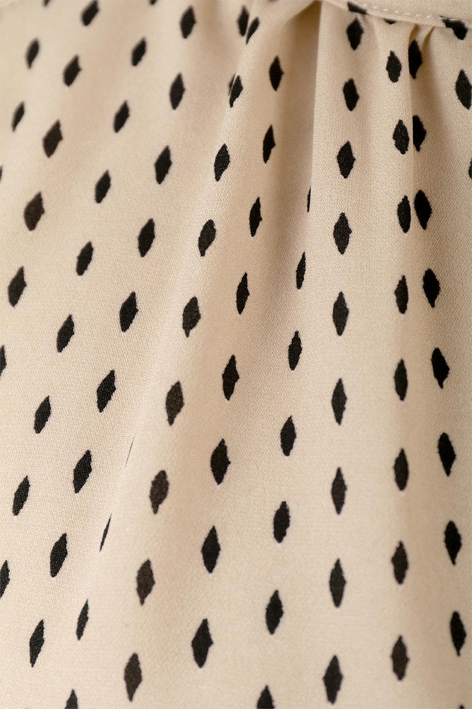 2WayHighNeckBlouse2ウェイ・ハイネックブラウス大人カジュアルに最適な海外ファッションのothers(その他インポートアイテム)のトップスやシャツ・ブラウス。前後2WAYで着れる万能ブラウス。綺麗目にもカジュアルにも着こなしができるブラウスは寒いシーズンにも大活躍。/main-17