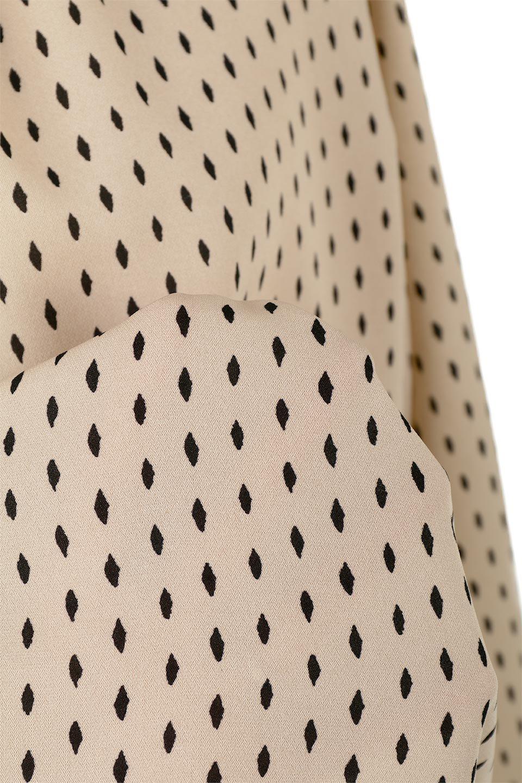 2WayHighNeckBlouse2ウェイ・ハイネックブラウス大人カジュアルに最適な海外ファッションのothers(その他インポートアイテム)のトップスやシャツ・ブラウス。前後2WAYで着れる万能ブラウス。綺麗目にもカジュアルにも着こなしができるブラウスは寒いシーズンにも大活躍。/main-18