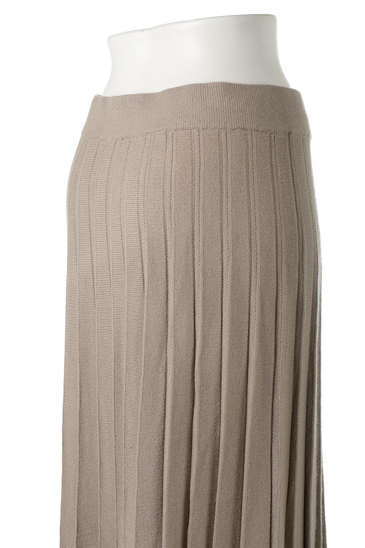PleatedRibKnitSkirtリブニット・プリーツスカート大人カジュアルに最適な海外ファッションのothers(その他インポートアイテム)のボトムやスカート。清涼感があり、上品な雰囲気なレーヨンナイロンのニットプリーツスカート。リラックス感のあるシルエットで身体にすんなりと馴染んでくれます。/main-11
