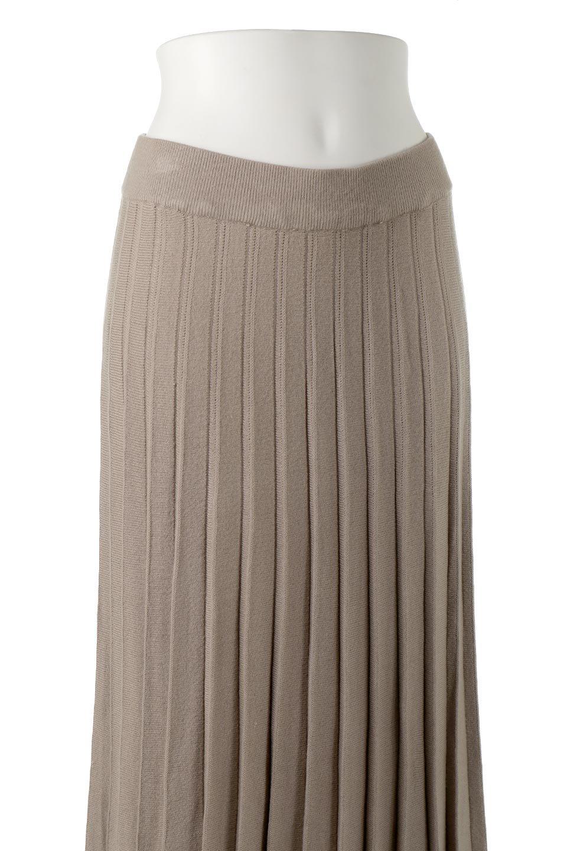PleatedRibKnitSkirtリブニット・プリーツスカート大人カジュアルに最適な海外ファッションのothers(その他インポートアイテム)のボトムやスカート。清涼感があり、上品な雰囲気なレーヨンナイロンのニットプリーツスカート。リラックス感のあるシルエットで身体にすんなりと馴染んでくれます。/main-12