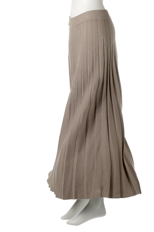 PleatedRibKnitSkirtリブニット・プリーツスカート大人カジュアルに最適な海外ファッションのothers(その他インポートアイテム)のボトムやスカート。清涼感があり、上品な雰囲気なレーヨンナイロンのニットプリーツスカート。リラックス感のあるシルエットで身体にすんなりと馴染んでくれます。/main-13