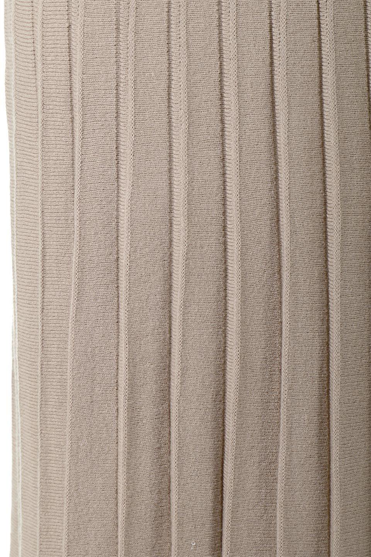 PleatedRibKnitSkirtリブニット・プリーツスカート大人カジュアルに最適な海外ファッションのothers(その他インポートアイテム)のボトムやスカート。清涼感があり、上品な雰囲気なレーヨンナイロンのニットプリーツスカート。リラックス感のあるシルエットで身体にすんなりと馴染んでくれます。/main-15