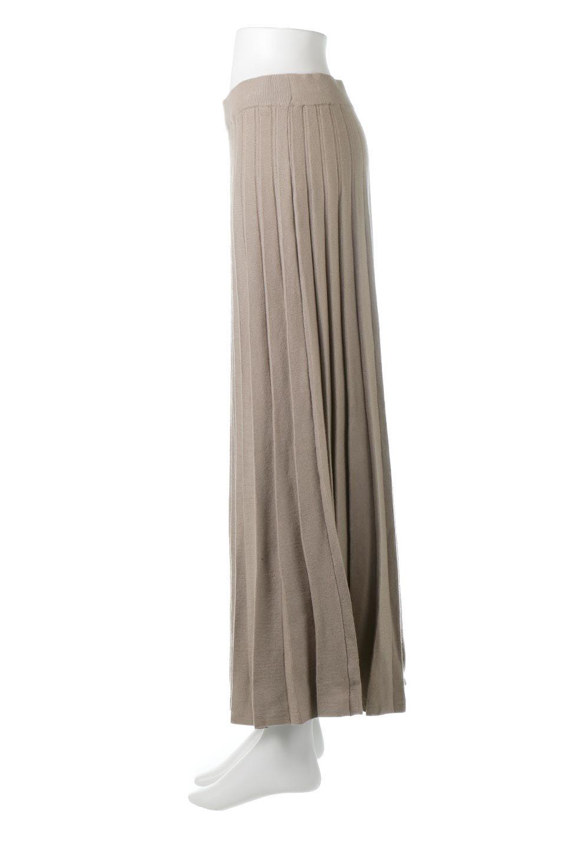 PleatedRibKnitSkirtリブニット・プリーツスカート大人カジュアルに最適な海外ファッションのothers(その他インポートアイテム)のボトムやスカート。清涼感があり、上品な雰囲気なレーヨンナイロンのニットプリーツスカート。リラックス感のあるシルエットで身体にすんなりと馴染んでくれます。/main-2