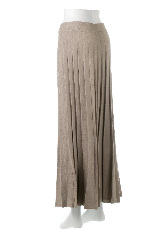 PleatedRibKnitSkirtリブニット・プリーツスカート大人カジュアルに最適な海外ファッションのothers(その他インポートアイテム)のボトムやスカート。清涼感があり、上品な雰囲気なレーヨンナイロンのニットプリーツスカート。リラックス感のあるシルエットで身体にすんなりと馴染んでくれます。/main-3