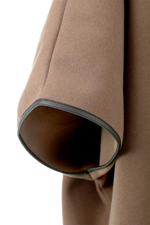 Bi-ColoredPipingOverSizedCoat配色パイピング・ロングコート大人カジュアルに最適な海外ファッションのothers(その他インポートアイテム)のアウターやコート。配色に施されたエコレザーパイピングがポイントになったオーバーサイズのコート。これ一枚で旬顔コーデが完成します。/main-14
