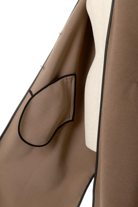 Bi-ColoredPipingOverSizedCoat配色パイピング・ロングコート大人カジュアルに最適な海外ファッションのothers(その他インポートアイテム)のアウターやコート。配色に施されたエコレザーパイピングがポイントになったオーバーサイズのコート。これ一枚で旬顔コーデが完成します。/main-18