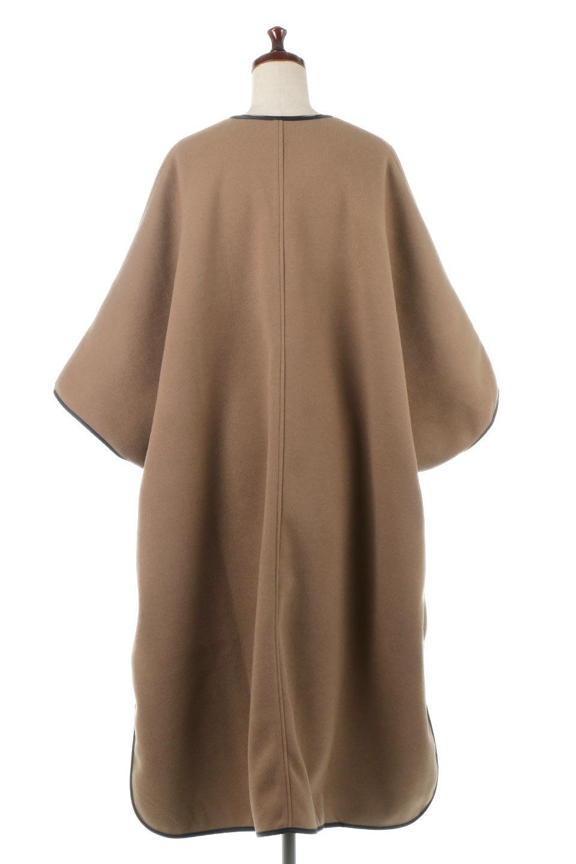 Bi-ColoredPipingOverSizedCoat配色パイピング・ロングコート大人カジュアルに最適な海外ファッションのothers(その他インポートアイテム)のアウターやコート。配色に施されたエコレザーパイピングがポイントになったオーバーサイズのコート。これ一枚で旬顔コーデが完成します。/main-4