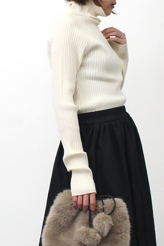 RibKnitTurtleNeckTopリブニット・タートルネック大人カジュアルに最適な海外ファッションのothers(その他インポートアイテム)のトップスやニット・セーター。重ね着に活躍するシンプル・リブタートルニットのトップス。やや長めの袖でクシュッと感が可愛いアイテムです。/main-24