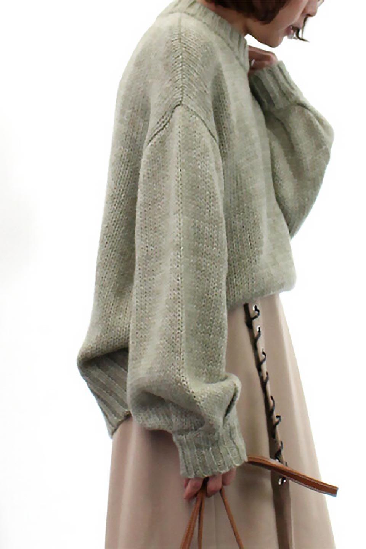 FauxMohairKnitPullOverTopモヘアタッチ・ニットプルオーバー大人カジュアルに最適な海外ファッションのothers(その他インポートアイテム)のトップスやニット・セーター。モヘアのような優しい触り心地のセーター。首元、袖口にはボリュームのあるリブニットデザインで温かみを感じるデザイン。/main-22