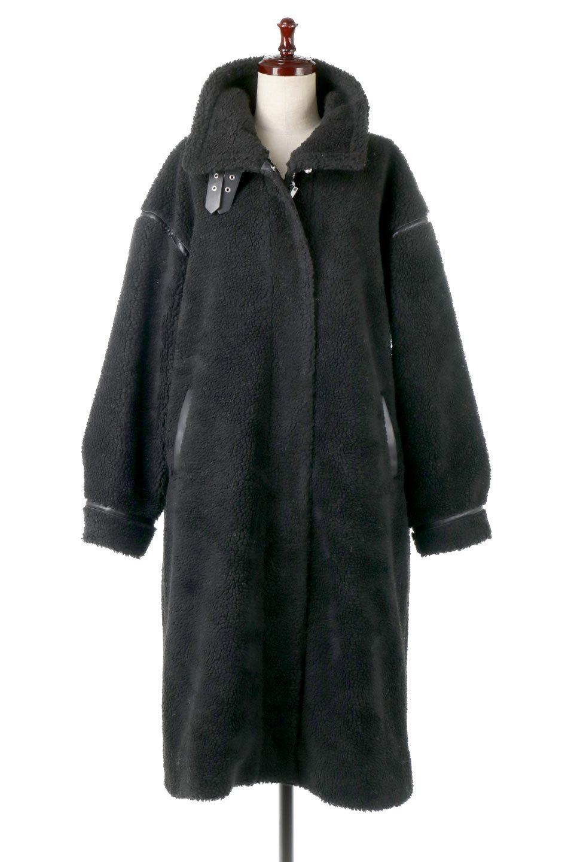 ShearlingFleeceStrappedNeckCoatボア&パイピング・ハイネックコート大人カジュアルに最適な海外ファッションのothers(その他インポートアイテム)のアウターやコート。首元まで暖かい、ミリタリー調のストラップが可愛いハイネックのボアロングコート。要所要所に施した合皮パイピングデザインがポイントになり、全体をスタイリッシュな雰囲気に仕上げてくれます。