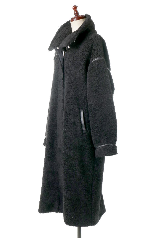 ShearlingFleeceStrappedNeckCoatボア&パイピング・ハイネックコート大人カジュアルに最適な海外ファッションのothers(その他インポートアイテム)のアウターやコート。首元まで暖かい、ミリタリー調のストラップが可愛いハイネックのボアロングコート。要所要所に施した合皮パイピングデザインがポイントになり、全体をスタイリッシュな雰囲気に仕上げてくれます。/main-1