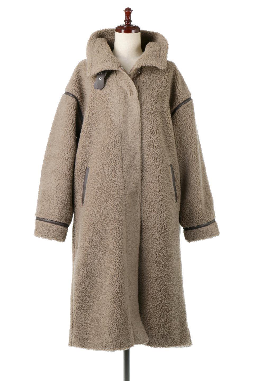 ShearlingFleeceStrappedNeckCoatボア&パイピング・ハイネックコート大人カジュアルに最適な海外ファッションのothers(その他インポートアイテム)のアウターやコート。首元まで暖かい、ミリタリー調のストラップが可愛いハイネックのボアロングコート。要所要所に施した合皮パイピングデザインがポイントになり、全体をスタイリッシュな雰囲気に仕上げてくれます。/main-10