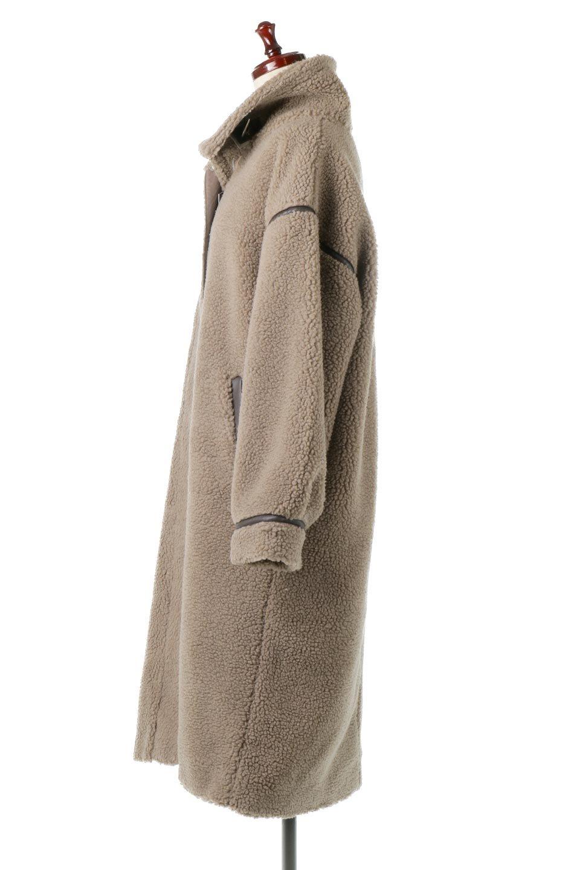 ShearlingFleeceStrappedNeckCoatボア&パイピング・ハイネックコート大人カジュアルに最適な海外ファッションのothers(その他インポートアイテム)のアウターやコート。首元まで暖かい、ミリタリー調のストラップが可愛いハイネックのボアロングコート。要所要所に施した合皮パイピングデザインがポイントになり、全体をスタイリッシュな雰囲気に仕上げてくれます。/main-12