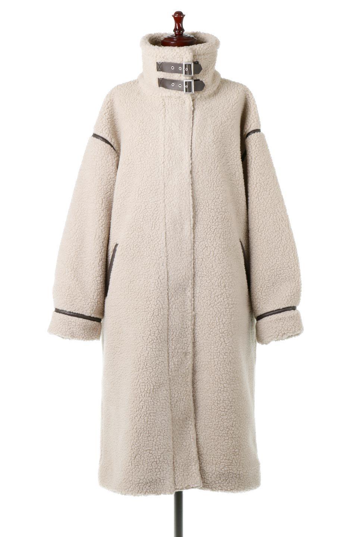 ShearlingFleeceStrappedNeckCoatボア&パイピング・ハイネックコート大人カジュアルに最適な海外ファッションのothers(その他インポートアイテム)のアウターやコート。首元まで暖かい、ミリタリー調のストラップが可愛いハイネックのボアロングコート。要所要所に施した合皮パイピングデザインがポイントになり、全体をスタイリッシュな雰囲気に仕上げてくれます。/main-15