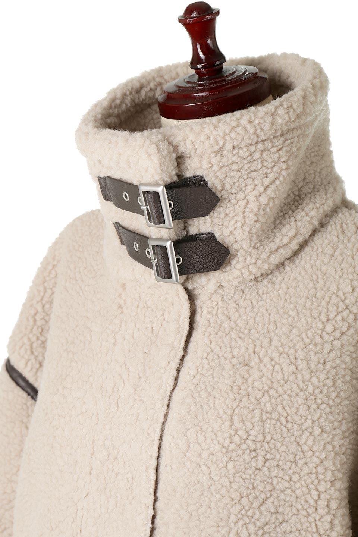 ShearlingFleeceStrappedNeckCoatボア&パイピング・ハイネックコート大人カジュアルに最適な海外ファッションのothers(その他インポートアイテム)のアウターやコート。首元まで暖かい、ミリタリー調のストラップが可愛いハイネックのボアロングコート。要所要所に施した合皮パイピングデザインがポイントになり、全体をスタイリッシュな雰囲気に仕上げてくれます。/main-16