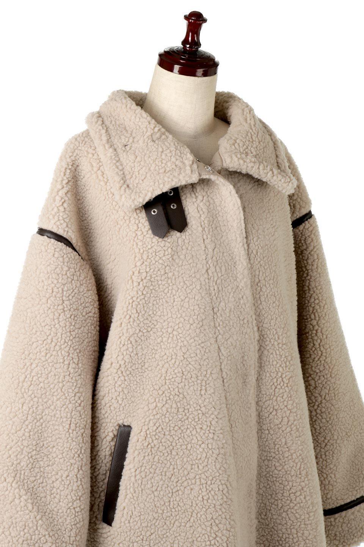 ShearlingFleeceStrappedNeckCoatボア&パイピング・ハイネックコート大人カジュアルに最適な海外ファッションのothers(その他インポートアイテム)のアウターやコート。首元まで暖かい、ミリタリー調のストラップが可愛いハイネックのボアロングコート。要所要所に施した合皮パイピングデザインがポイントになり、全体をスタイリッシュな雰囲気に仕上げてくれます。/main-17