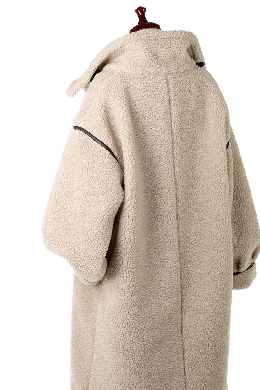 ShearlingFleeceStrappedNeckCoatボア&パイピング・ハイネックコート大人カジュアルに最適な海外ファッションのothers(その他インポートアイテム)のアウターやコート。首元まで暖かい、ミリタリー調のストラップが可愛いハイネックのボアロングコート。要所要所に施した合皮パイピングデザインがポイントになり、全体をスタイリッシュな雰囲気に仕上げてくれます。/main-19