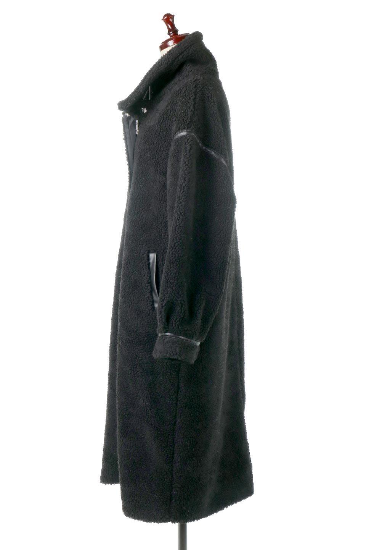 ShearlingFleeceStrappedNeckCoatボア&パイピング・ハイネックコート大人カジュアルに最適な海外ファッションのothers(その他インポートアイテム)のアウターやコート。首元まで暖かい、ミリタリー調のストラップが可愛いハイネックのボアロングコート。要所要所に施した合皮パイピングデザインがポイントになり、全体をスタイリッシュな雰囲気に仕上げてくれます。/main-2