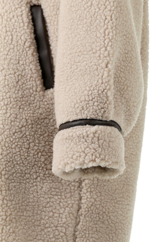 ShearlingFleeceStrappedNeckCoatボア&パイピング・ハイネックコート大人カジュアルに最適な海外ファッションのothers(その他インポートアイテム)のアウターやコート。首元まで暖かい、ミリタリー調のストラップが可愛いハイネックのボアロングコート。要所要所に施した合皮パイピングデザインがポイントになり、全体をスタイリッシュな雰囲気に仕上げてくれます。/main-23