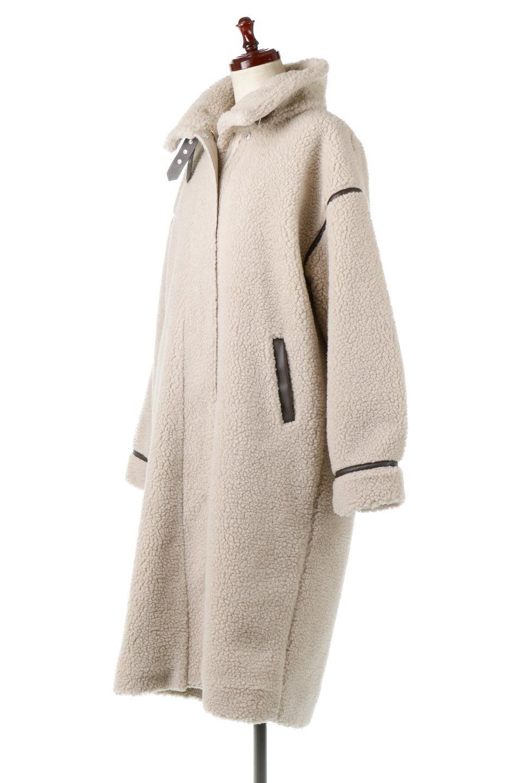 ShearlingFleeceStrappedNeckCoatボア&パイピング・ハイネックコート大人カジュアルに最適な海外ファッションのothers(その他インポートアイテム)のアウターやコート。首元まで暖かい、ミリタリー調のストラップが可愛いハイネックのボアロングコート。要所要所に施した合皮パイピングデザインがポイントになり、全体をスタイリッシュな雰囲気に仕上げてくれます。/main-6
